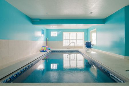 Best SF Family $650-$750 Photo 12 Basement Pool