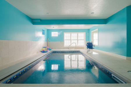 Best SF Family $650-$750 Photo 12 Basement Pool